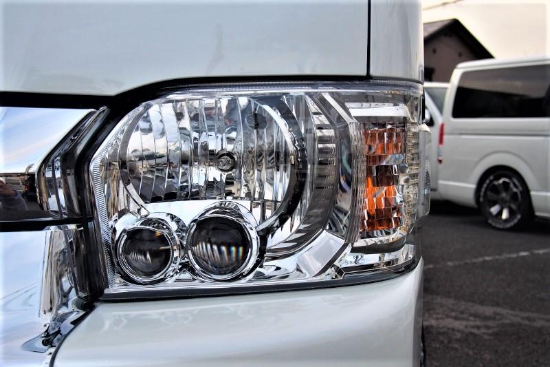 四型純正LEDヘッドライト | トヨタ ハイエース 2.7 GL ロング ファインテックツアラー 4WD 4WDファインテックツアラー