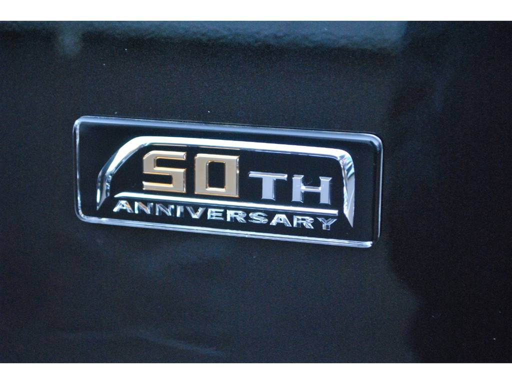 50thアニバーサリーエンブレム♪ | トヨタ ハイエースバン 2.8 スーパーGL 50TH アニバーサリー リミテッド ロングボディ ディーゼルターボ 4WD TSS付 パワスラ付き