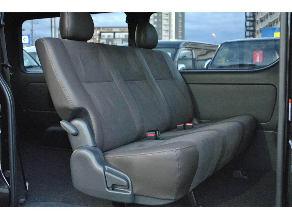 シートカラーは50thオリジナル♪ | トヨタ ハイエースバン 2.8 スーパーGL 50TH アニバーサリー リミテッド ロングボディ ディーゼルターボ 4WD TSS付 パワスラ付き