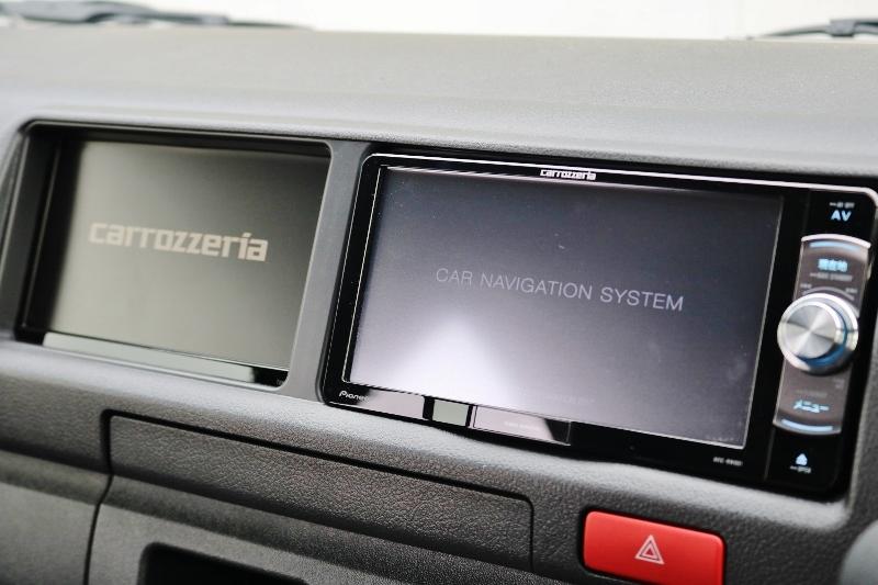サブモニター付きでナビと映像の併用を出来ます! | トヨタ ハイエースバン 2.8 DX ワイド スーパーロング ハイルーフ GLパッケージ ディーゼルターボ 4WD S-GLシート スライドレール WAC