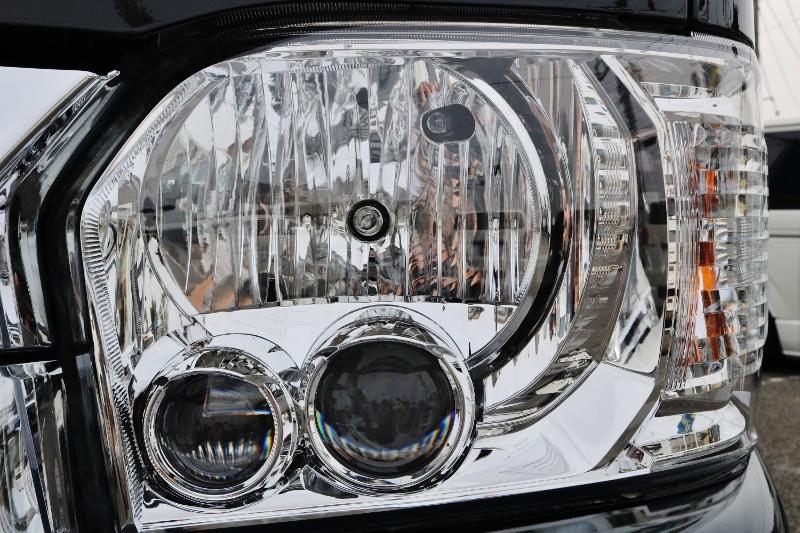 メーカーオプションのLEDヘッドランプは雨の日も視界良好です! | トヨタ ハイエースバン 2.8 DX ワイド スーパーロング ハイルーフ GLパッケージ ディーゼルターボ 4WD S-GLシート スライドレール WAC