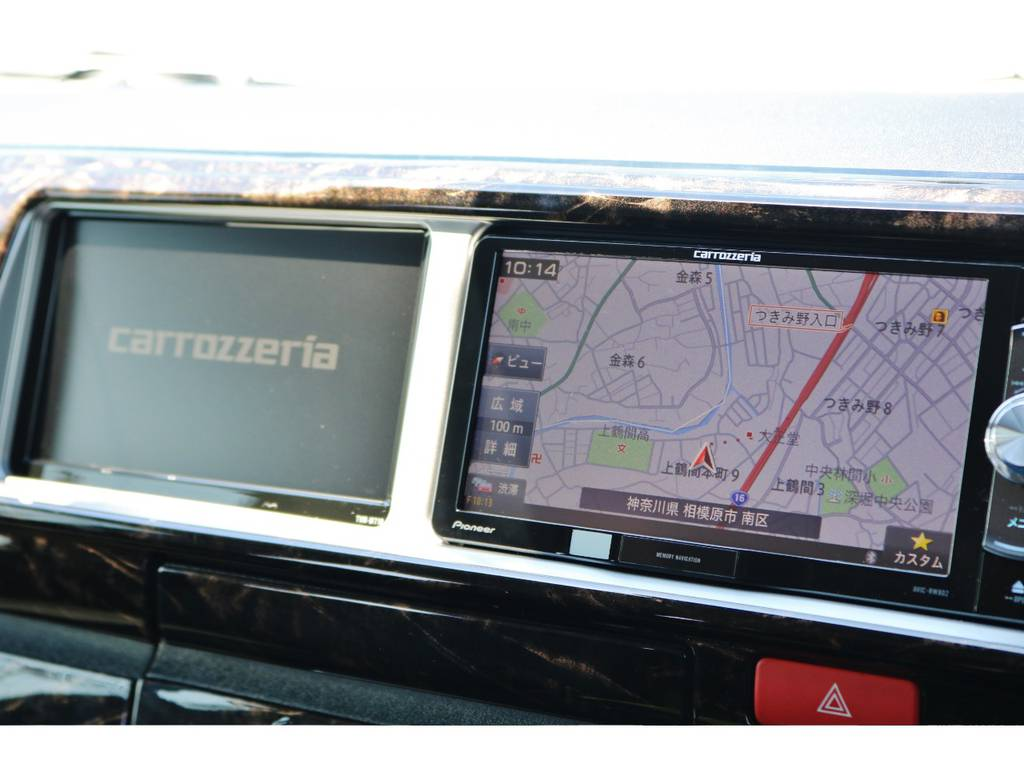 ナビ横にはサブモニター装備ですのでナビ画面中にテレビやDVDを再生できます! | トヨタ ハイエース 2.7 GL ロング ミドルルーフ TSS付 GDアイズ仕様