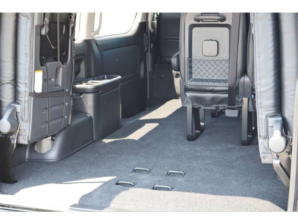 4列目を跳ね上げてとても広い荷室も作れます! | トヨタ ハイエース 2.7 GL ロング ミドルルーフ TSS付 GDアイズ仕様