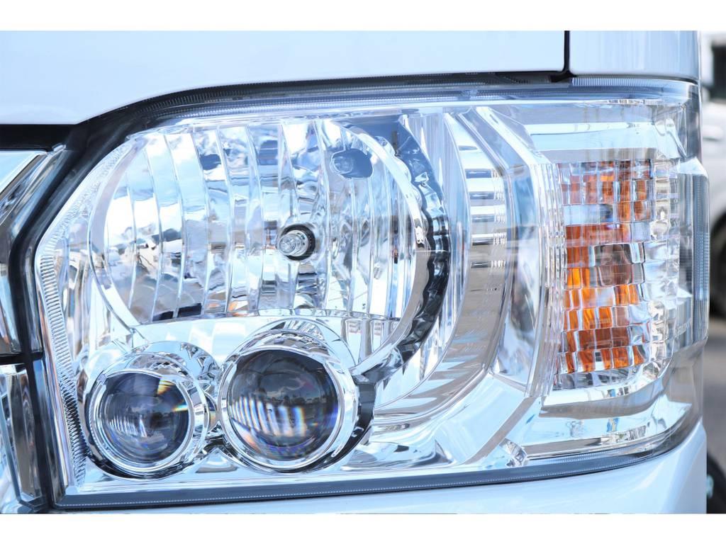夜間も明るいLEDヘッドライト! | トヨタ ハイエース 2.7 GL ロング ミドルルーフ 4WD セーフティー付き ナビ・エアロPKG