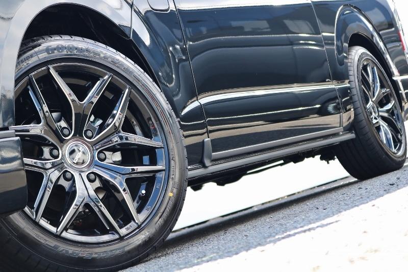 ブラックホイールにブラックボディーでカッコいいです! | トヨタ ハイエース 2.7 GL ロング ミドルルーフ 4WD セーフティー付き ナビ・エアロPKG