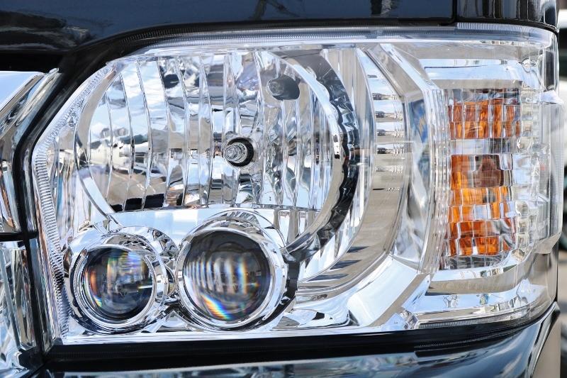 夜間も明るいLEDヘッドライト付! | トヨタ ハイエース 2.7 GL ロング ミドルルーフ 4WD セーフティー付き ナビ・エアロPKG
