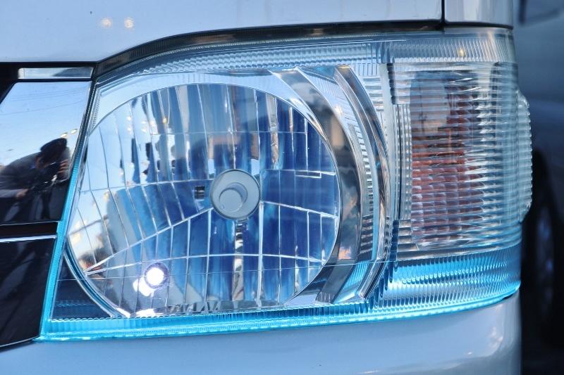 ポジション連動の青いライトが点灯します!