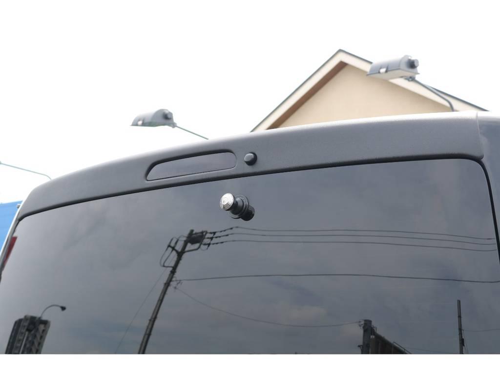 リアが引き締まるルーフスポイラー! | トヨタ ハイエースバン 2.0 スーパーGL ロング エアロ ローダウン アルミ