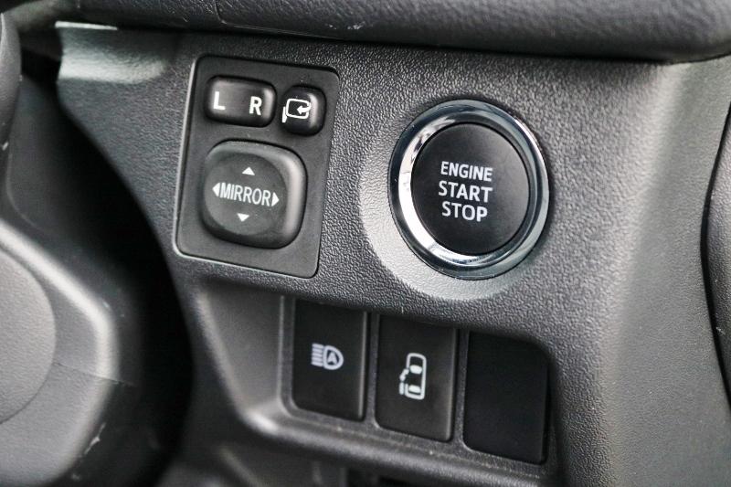 メーカーオプションも各種ついてます! | トヨタ ハイエース 2.7 GL ロング ミドルルーフ 4WD 現行ハイエースワゴン 4WD 車検付き