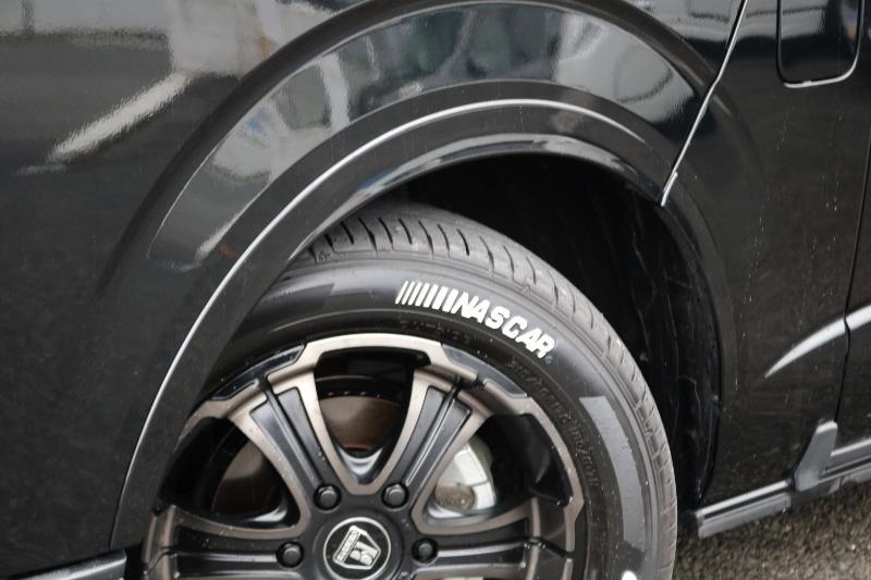 オーバーフェンダーもついてます! | トヨタ ハイエース 2.7 GL ロング ミドルルーフ 4WD 現行ハイエースワゴン 4WD 車検付き