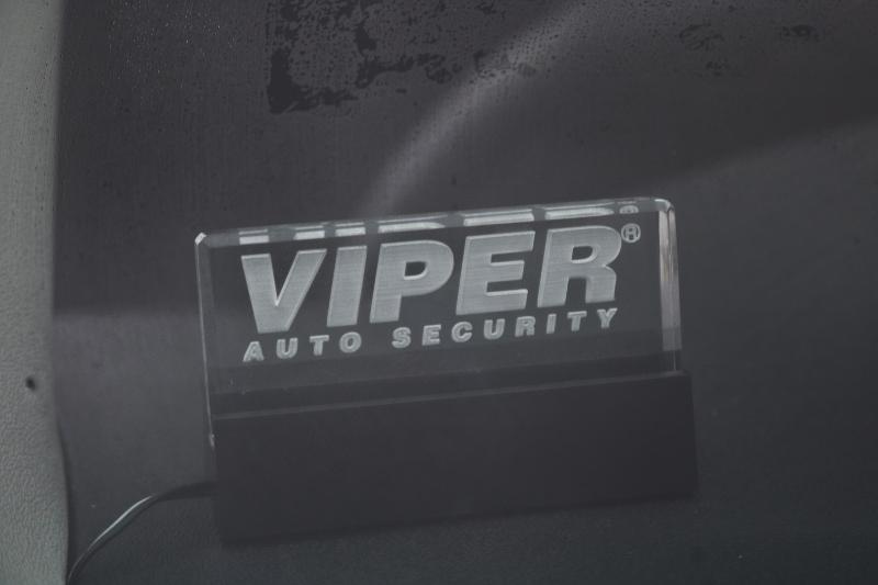 VIPERセキュリティー付きなので安心です! | トヨタ ハイエース 2.7 GL ロング ミドルルーフ 4WD 現行ハイエースワゴン 4WD 車検付き