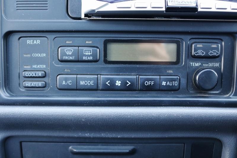 エアコンも良好に動いています! | トヨタ ハイエース 2.4 スーパーカスタムG トリプルムーンルーフ
