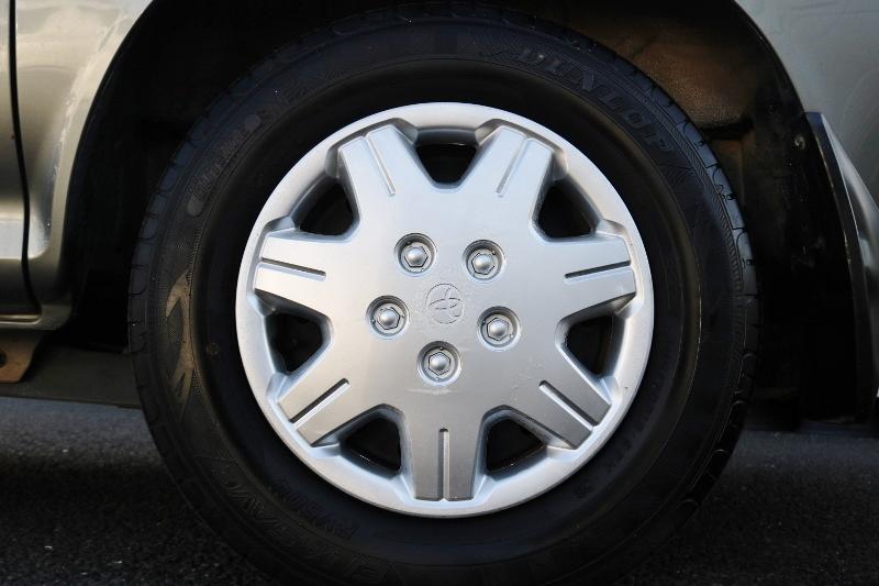 ホイールキャップは塗装済みです! | トヨタ ハイエース 2.4 スーパーカスタムG トリプルムーンルーフ