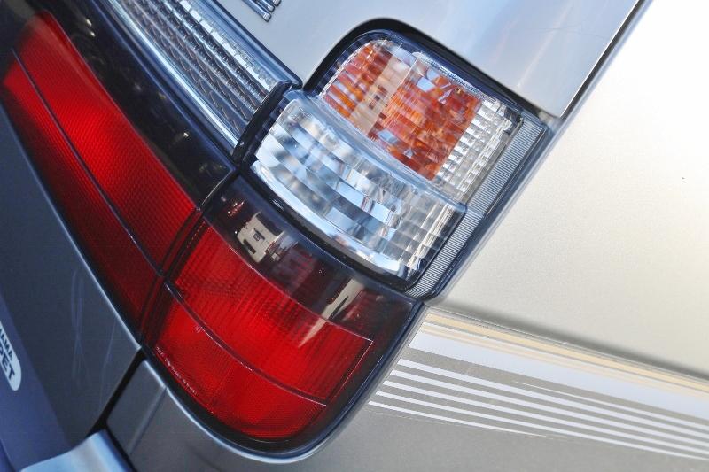 ライト関係は曇りも少なく、点灯も良好な状態です。 | トヨタ ハイエース 2.4 スーパーカスタムG トリプルムーンルーフ