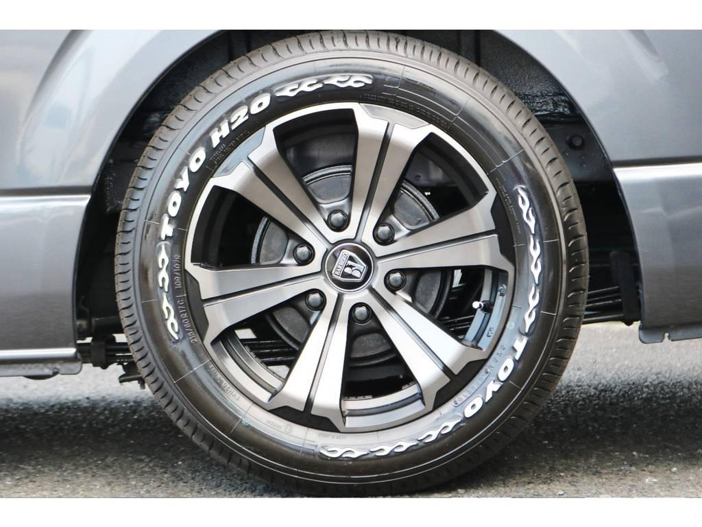 当社オリジナルカラー バルベロアーバン17インチ&TOYO H20の組み合わせ!   トヨタ ハイエースバン 2.0 スーパーGL ロング グレー ナビPKG