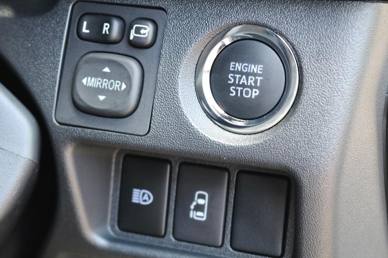 スマートエントリー&スタートシステム♪   トヨタ ハイエース 2.7 GL ロング ミドルルーフ TSS付 ベットキットアレンジR1
