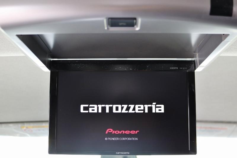 後部座席の人にはうれしいフリップダウンモニターが付いてます♪   トヨタ ハイエース 2.7 GL ロング ミドルルーフ TSS付 ベットキットアレンジR1