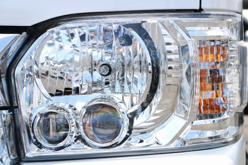 メーカーオプションのLEDヘッドランプ♪   トヨタ ハイエース 2.7 GL ロング ミドルルーフ TSS付 ベットキットアレンジR1
