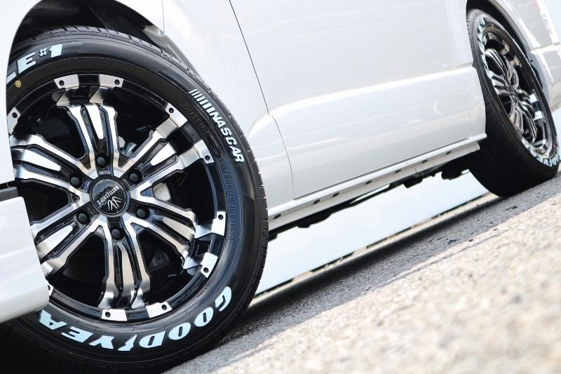 足元までかっこよくカスタム♪   トヨタ ハイエース 2.7 GL ロング ミドルルーフ TSS付 ベットキットアレンジR1