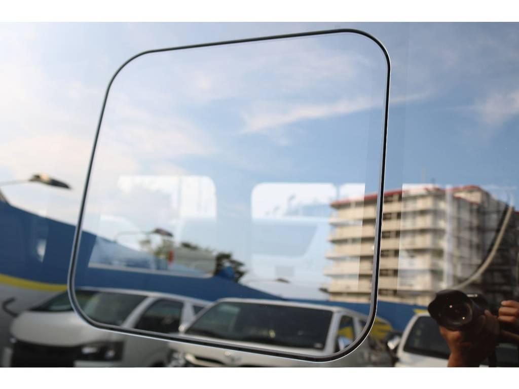 換気しやすい小窓付き♪ | トヨタ ハイエース 2.7 GL ロング ミドルルーフ セーフティー付き Ver2内装施工カスタ