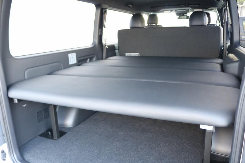ベッドキットが付いているので車中泊にもってこい♪ | トヨタ ハイエースバン 2.8 スーパーGL ダークプライムⅡ ロングボディ ディーゼルターボ