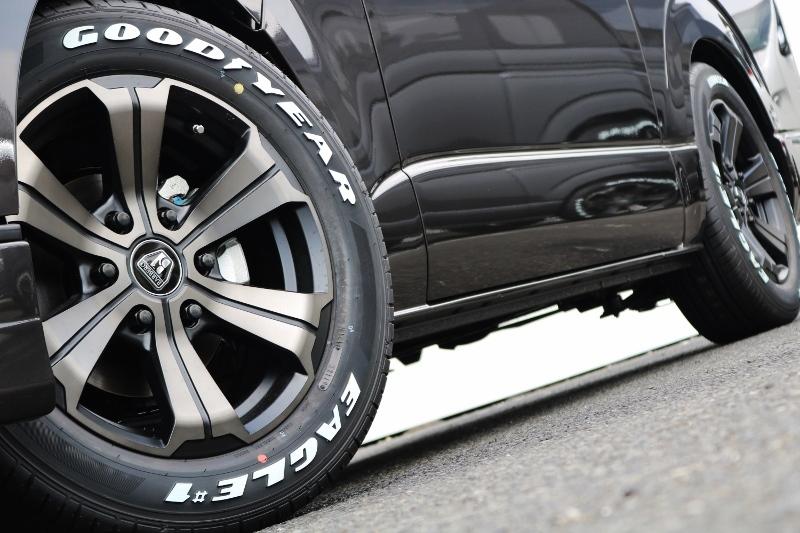バルベロアーバングランデ(当社限定カラー)とナスカータイヤは大好評の組み合わせ! | トヨタ ハイエースバン 2.0 スーパーGL 50TH アニバーサリー リミテッド ロングボディ ANV グラファイトM  ナビPKG