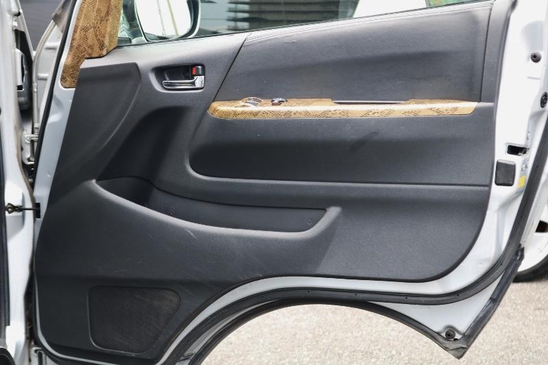 便利な小物入れ♪ | トヨタ ハイエースバン 2.0 スーパーGL ロング