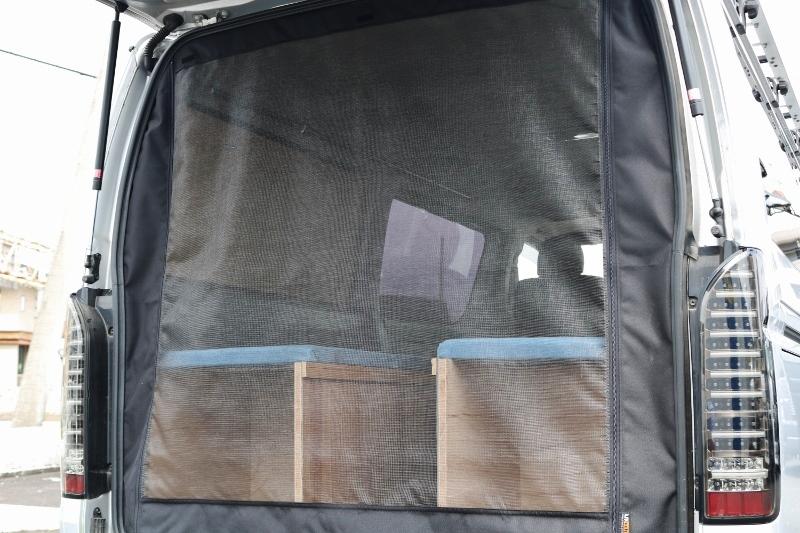 車中泊にはうれしい防虫ネット♪ | トヨタ ハイエースバン 2.0 スーパーGL ロング