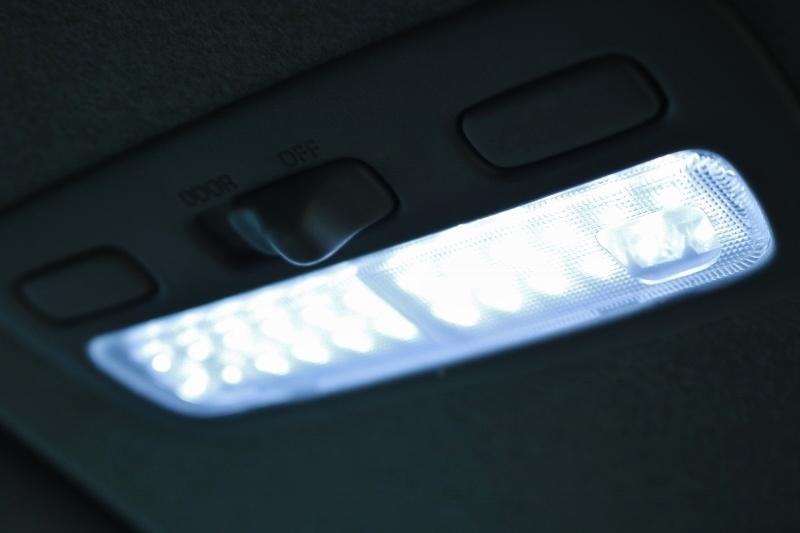LEDルームランプ装備!