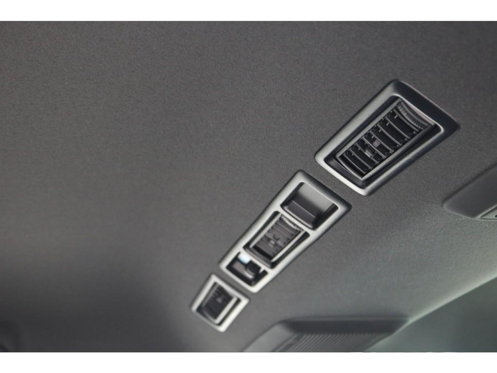 新規未登録!特別仕様車ディーゼル2WD!カスタム済み!