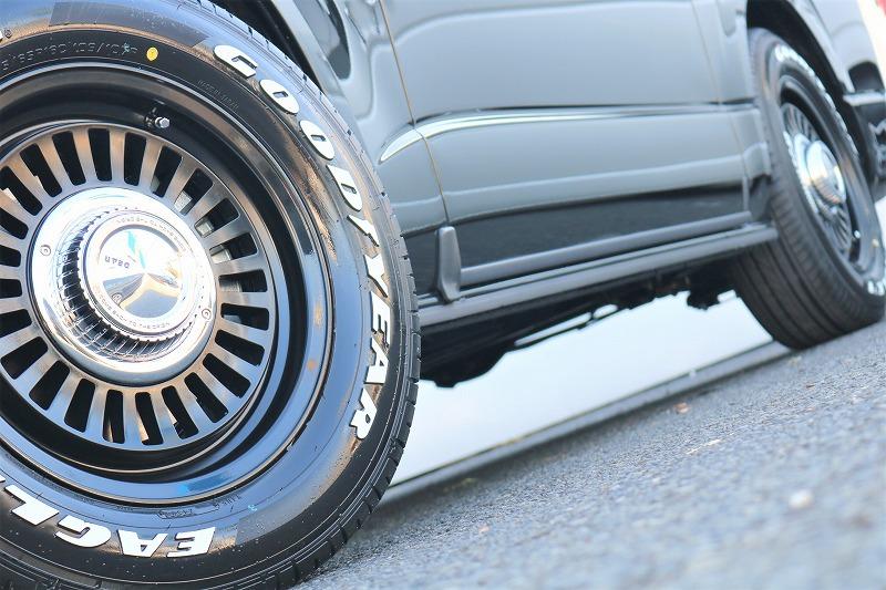 ハイエースユーザーから大人気のディーン カリフォルニアアルミホイールとナスカータイヤの組み合わせ!