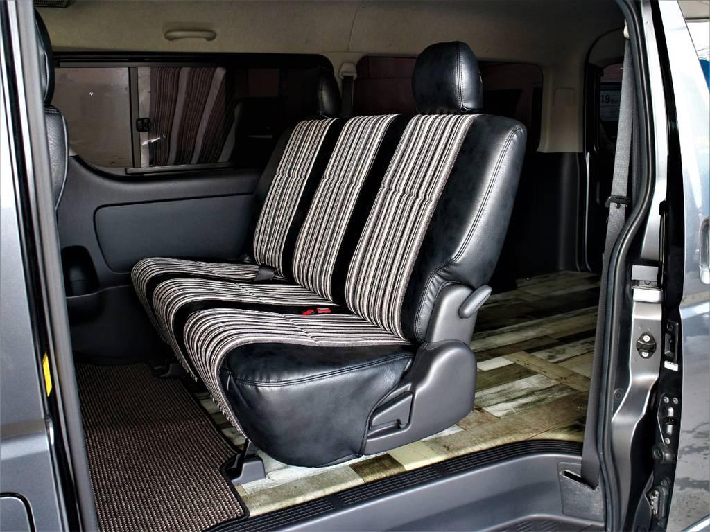 セカンドシートは3人定員です! | トヨタ レジアスエース 2.7 スーパーGL ワイド ミドルルーフ ロングボディ 4WD