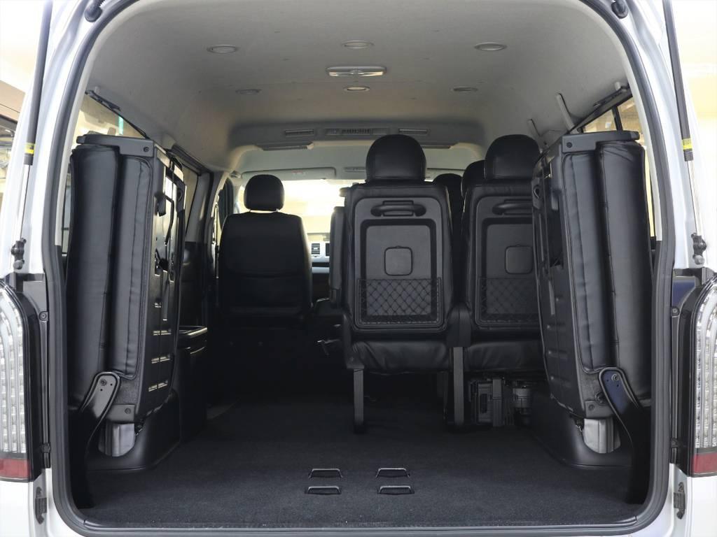 ラゲッジスペースも広々!!   トヨタ ハイエース 2.7 GL ロング ミドルルーフ 4WD 新品20inDelf01 新品煌テール
