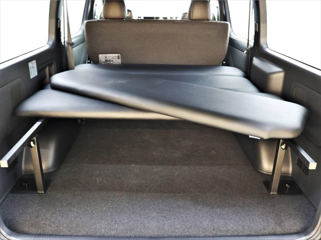 ベッドマットの取り外しは誰にでも簡単ですよ! | トヨタ ハイエースバン 2.7 スーパーGL 50THアニバーサリー リミテッド ワイド ミドルルーフ ロングボディ4WD FLEXベッドキット 煌テール