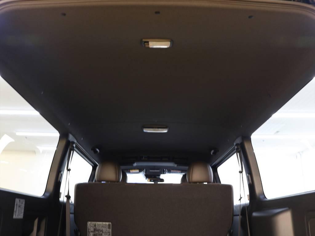 ルーフ・ピラーがブラックになっております! | トヨタ ハイエースバン 2.8 スーパーGL 50TH アニバーサリー リミテッド ロングボディ ディーゼルターボ 4WD フロアボード施工