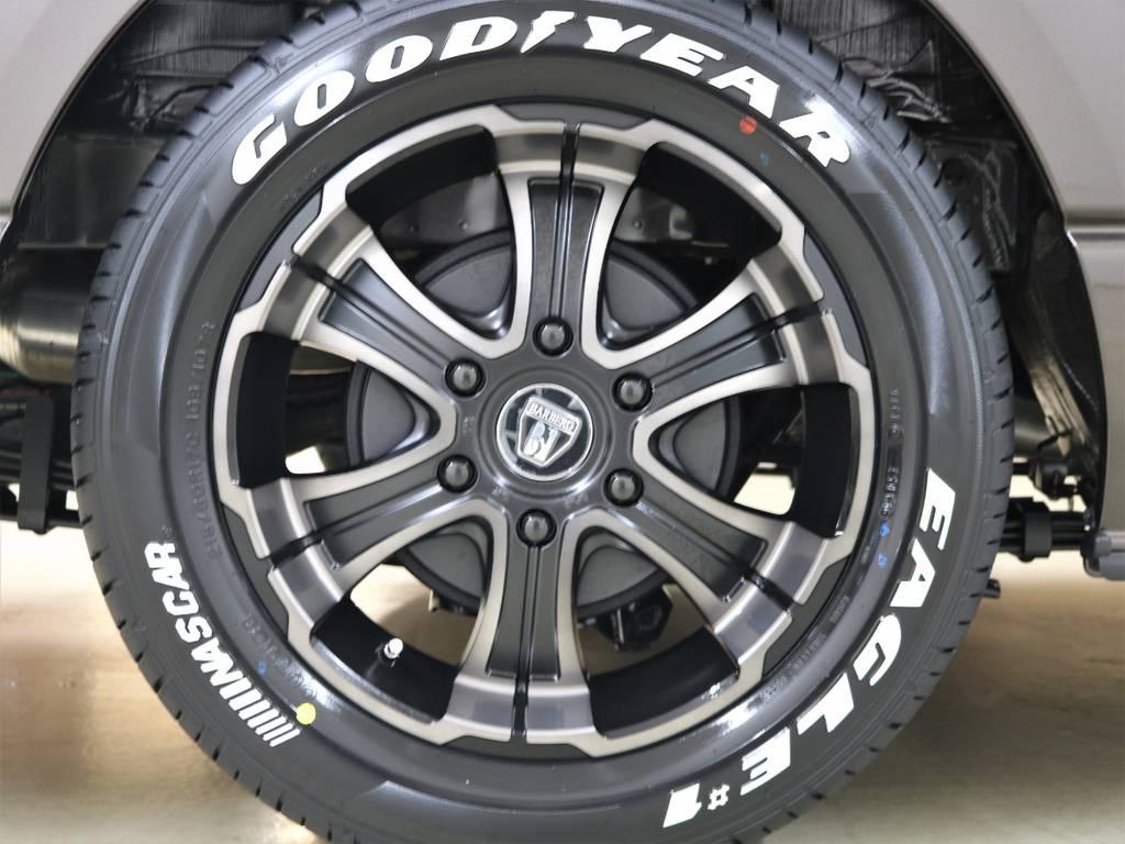 FLEXオリジナルカラー17inchバルベロワイルドディープス&ナスカータイヤ! | トヨタ ハイエースバン 2.8 スーパーGL 50TH アニバーサリー リミテッド ロングボディ ディーゼルターボ 4WD フロアボード施工