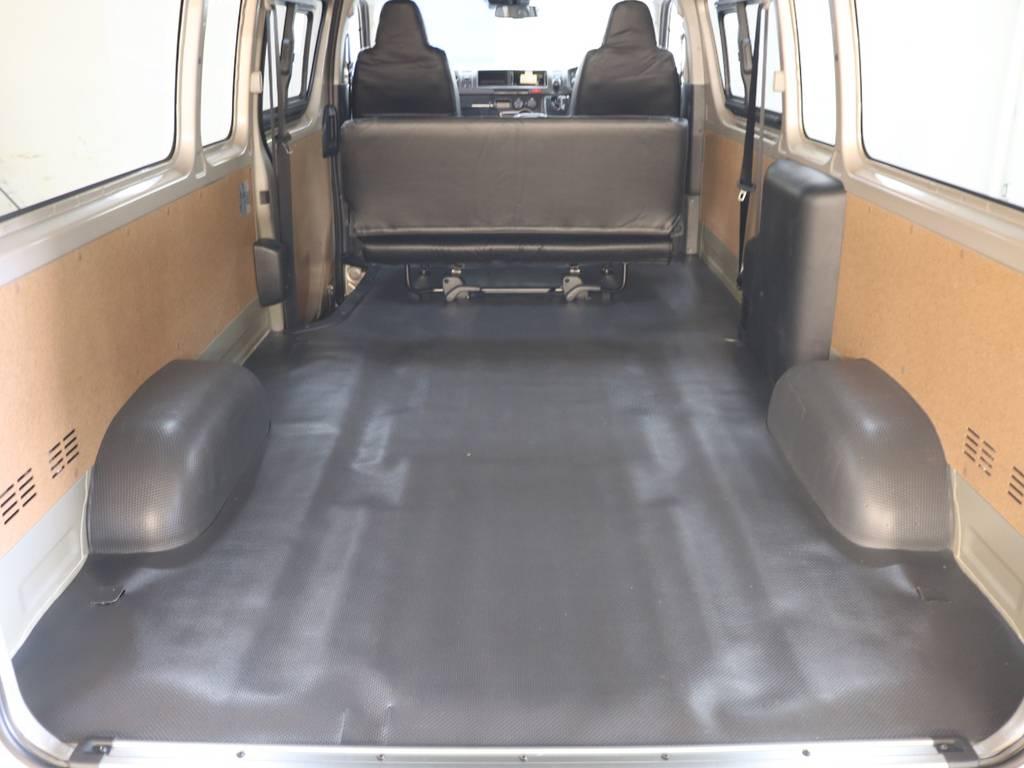 広大な荷室スペース! | トヨタ ハイエースバン 2.8 DX ワイド スーパーロング ハイルーフ GLパッケージ ディーゼルターボ 4WD FLEXバルベロAW 煌REDテール