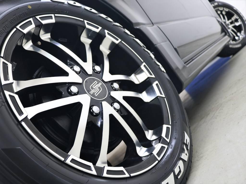 ブラックボディによく似合います! | トヨタ ハイエースバン 3.0 スーパーGL ロング ディーゼルターボ 4WD ユーアイマルチウェイフォルドベットキット