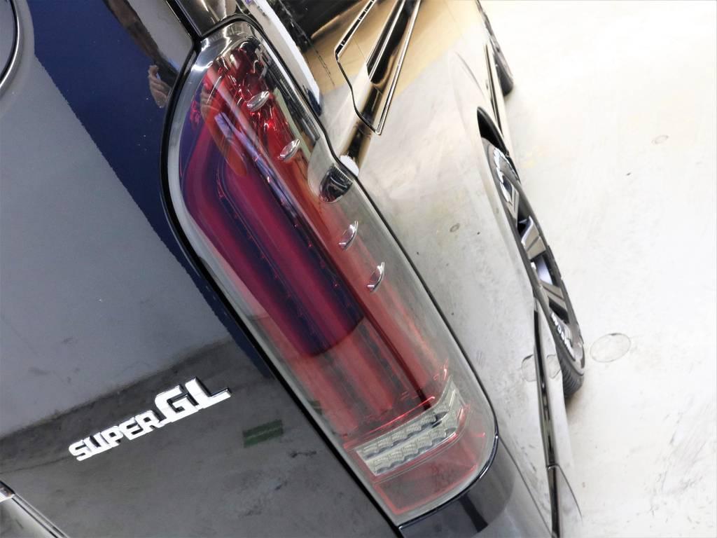 FLEX【アルティメットREVO2】テールランプ! | トヨタ ハイエースバン 2.8 スーパーGL ダークプライムⅡ ロングボディ ディーゼルターボ 4WD フロアボード施工 ウィンカーミラー