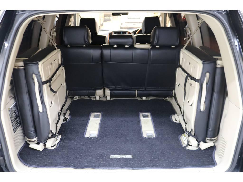 荷室スペースは広々としておりますので荷物もたくさん積めます♪ | トヨタ ランドクルーザー100 4.7 VXリミテッド 4WD
