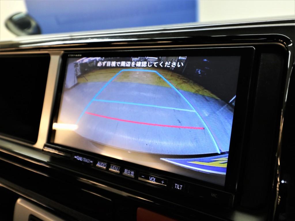 メーカーオプションバックカメラはナビ画面に連動加工されております!