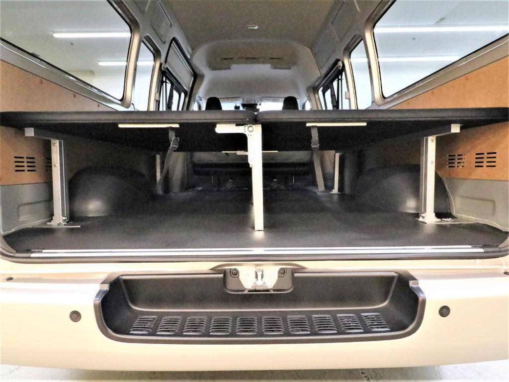 ベッドを展開してもその下に収納スペースが確保できます!