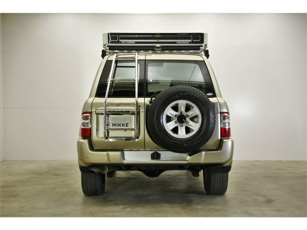 肌艶が物語る、今までの生活環境。そしてサファリは日産の最上級SUV、塗装もいいんです。