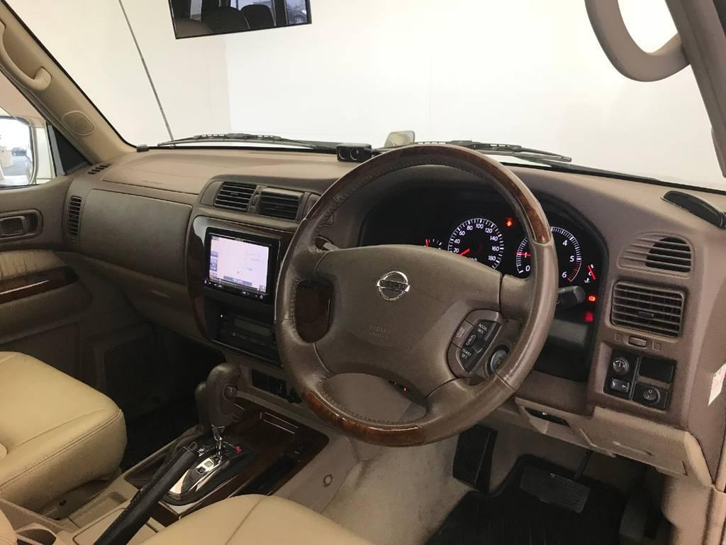 ランクルとはまた一線を画す一体感と高級感がサファリにはあると考えます。4WD好きな一人として国内最大級SUVのサファリはやはり尊敬に値します。