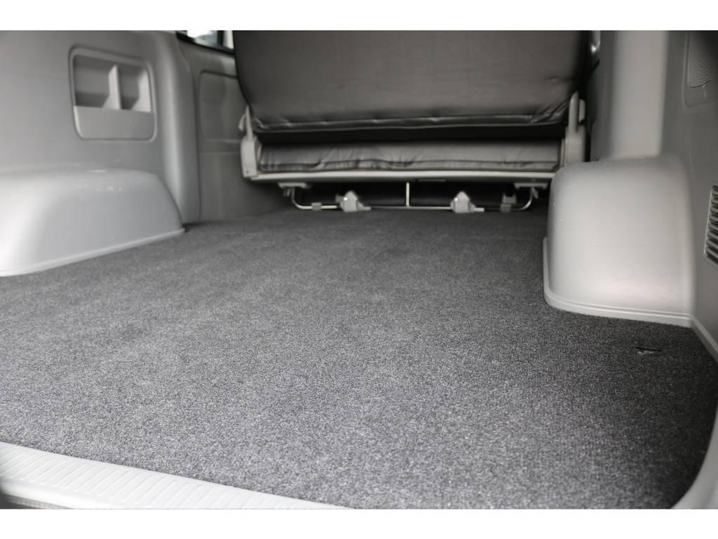 新品カーペットに交換済です | トヨタ ハイエースバン 2.5 スーパーGL ロング ディーゼルターボ
