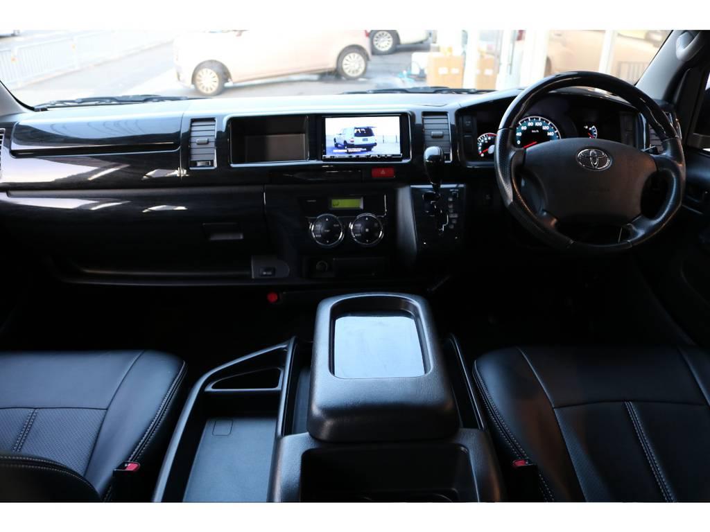 ハンドル、シフトノブ、インテリアパネル、シートカバー装備済です!! | トヨタ ハイエース 2.7 GL ロング ミドルルーフ