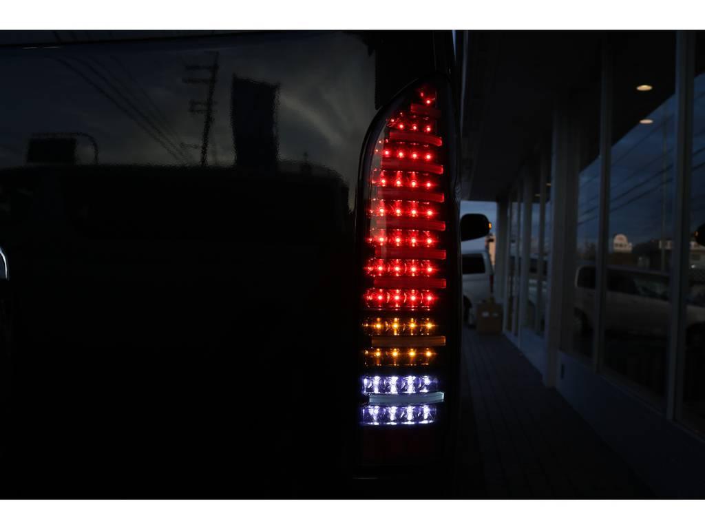 LEDテールランプで視認性もアップですね☆ | トヨタ ハイエース 2.7 GL ロング ミドルルーフ