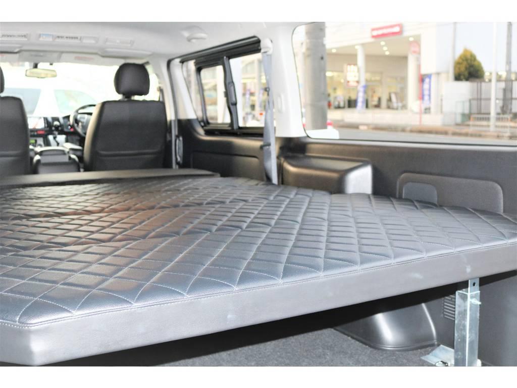 シートに合わせたダイヤ柄ベッドマット☆   トヨタ ハイエースバン 2.0 スーパーGL ロング ローウェン