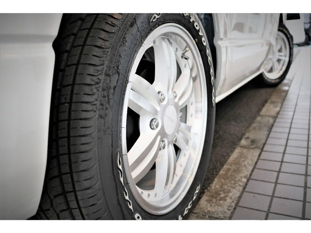 バッドラカー 17インチ ホワイトポリッシュの24ポインツホイールを装備しております | トヨタ ハイエースバン 2.7 スーパーGL ワイド ロング ミドルルーフ ダークP TSS付Ver8D/P