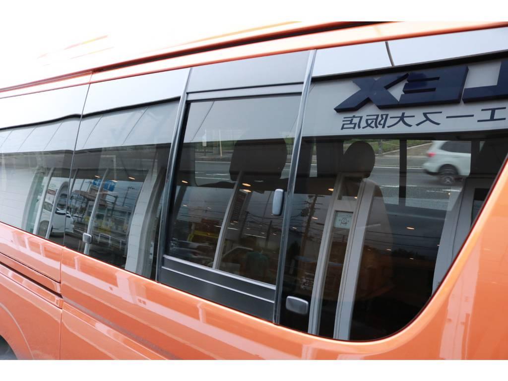 スライドドアガラス開閉式! | トヨタ ハイエースバン 2.7 スーパーGL ワイド ロング ミドルルーフ RENOCAコーストライン